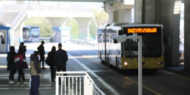 Ateşi yüksek çıkan yolcular metrobüse binemiyor